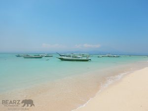 Nusa Lembongan's white sand & clear water