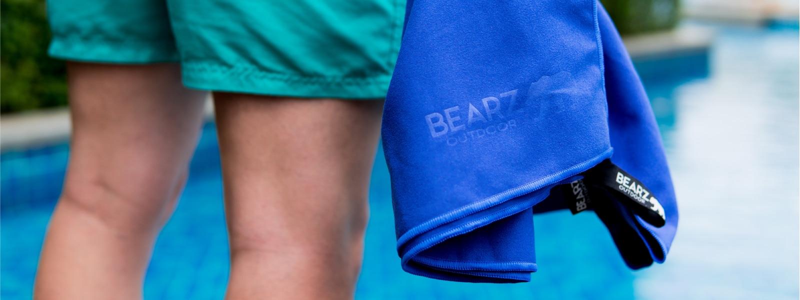 BEARZ Outdoor Microfiber Towel - pool