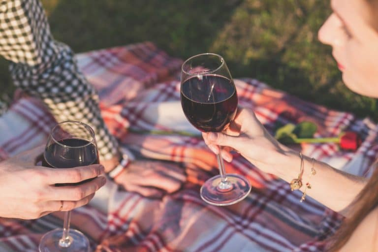 An outdoor picnic is an experience you'll remember for years—but you'll want to avoid a soggy bottom! Click here to learn about the waterproof picnic blanket