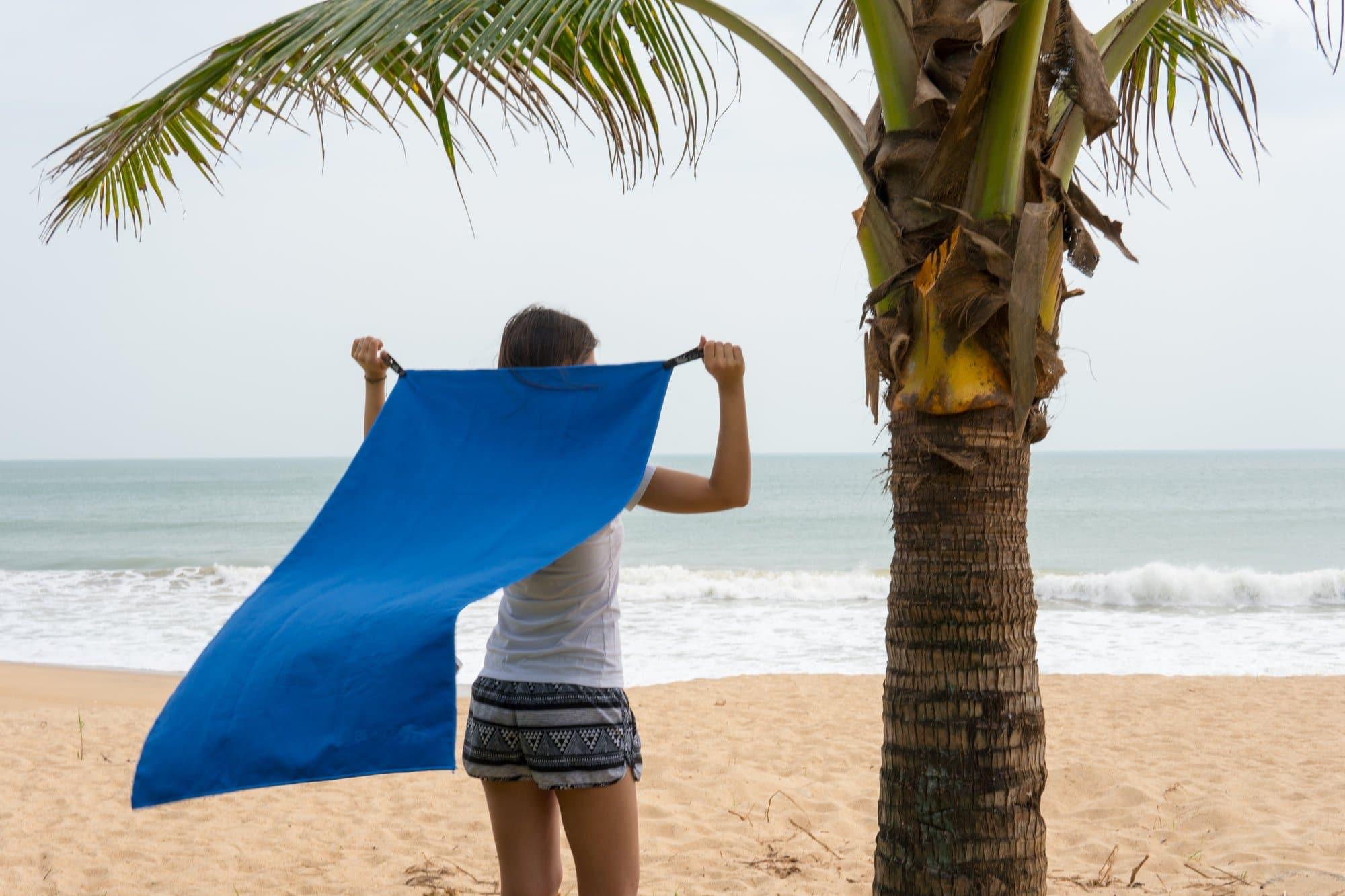 BEARZ Outdoor Microfiber Beach Towel